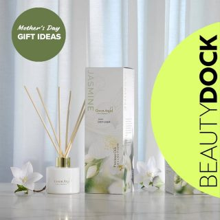 Every mum would ❤️ a gorgeous diffuser or a divine smelling candle... Choose from our wonderful gift sets with candles burning for up to 55 hours and a 30ml hand cream or a 100ml premium and luxuriousdiffuser that will fragrance your home in a safe and naturalway. 😍 Whats not to love ❤ #neroli #Ylangylang #Jasmine #whitelinen #organic  #shoplocal  🇮🇪Made in Ireland 🇮🇪 Shipped from Ireland